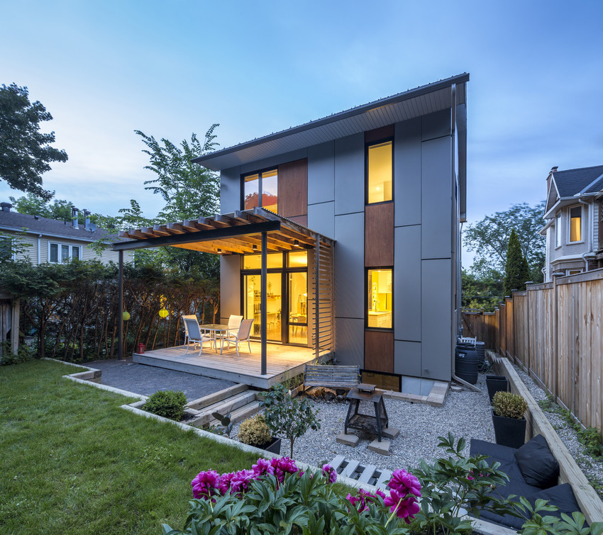 Residence in East Canada HardiePanel smooth, Cobble Stone